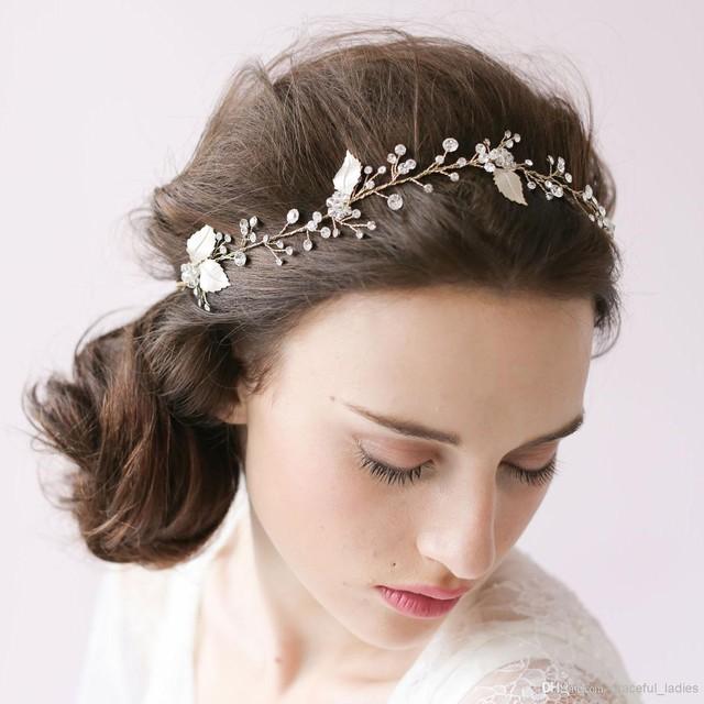 Phụ kiện cài tóc giúp cô dâu thêm tỏa sáng trong ngày cưới - Ảnh 9.