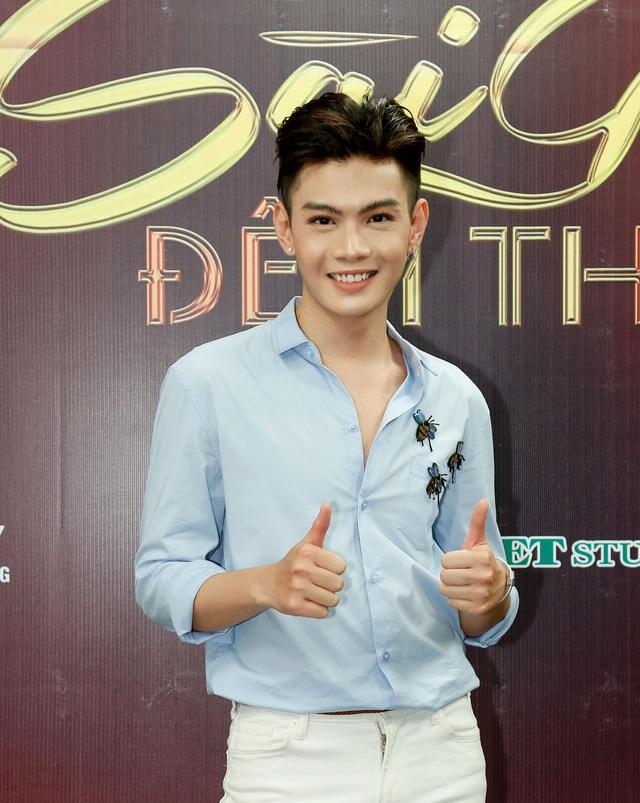 Sài Gòn đêm thứ 7: Phương Vy nổi bật với đầm ren ngọt ngào - Ảnh 2.