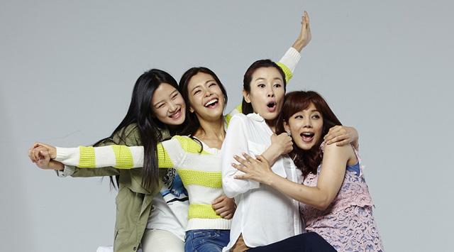 Đừng bỏ lỡ Mẹ, con gái và những chàng rể trên VTVcab 7 - D-Dramas - Ảnh 2.