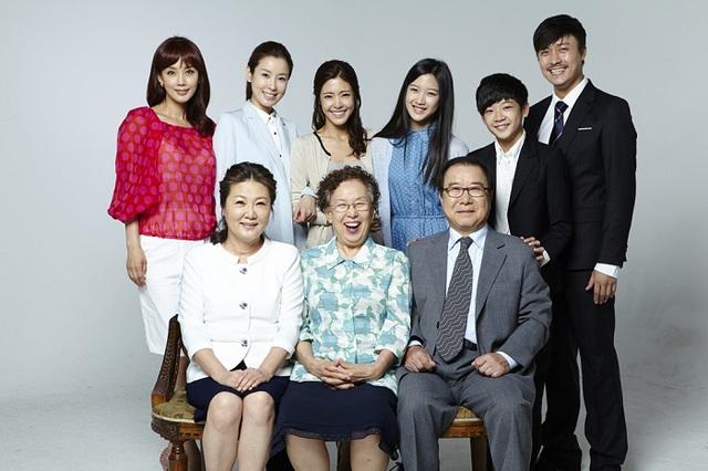 Đừng bỏ lỡ Mẹ, con gái và những chàng rể trên VTVcab 7 - D-Dramas - Ảnh 1.