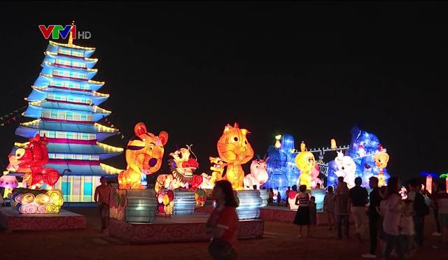Rực rỡ lễ hội ánh sáng và đèn lồng tại TP.HCM - Ảnh 6.