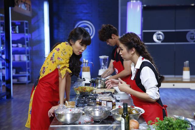 Vua đầu bếp: Kiwi Ngô Mai Trang đánh bại Hà Anh bằng thực đơn trái ngược - Ảnh 4.