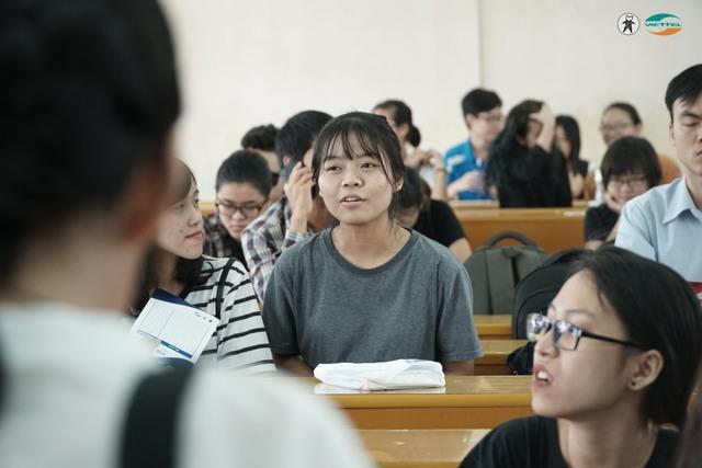 Thư viện sách sống truyền cảm hứng cho giới trẻ Hà Nội - Ảnh 3.