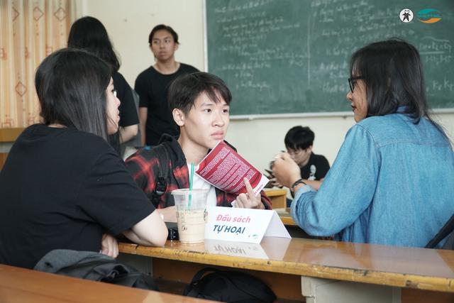 Thư viện sách sống truyền cảm hứng cho giới trẻ Hà Nội - Ảnh 2.