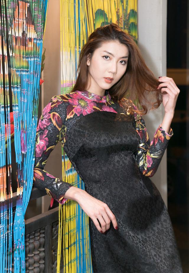 Siêu mẫu Ngọc Quyên về nước ra mắt phim Mẹ chồng - Ảnh 3.