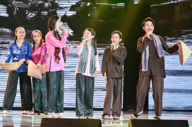 Hương Tràm mang Em gái mưa phiên bản mới toanh đến Giọng hát Việt nhí - Ảnh 2.