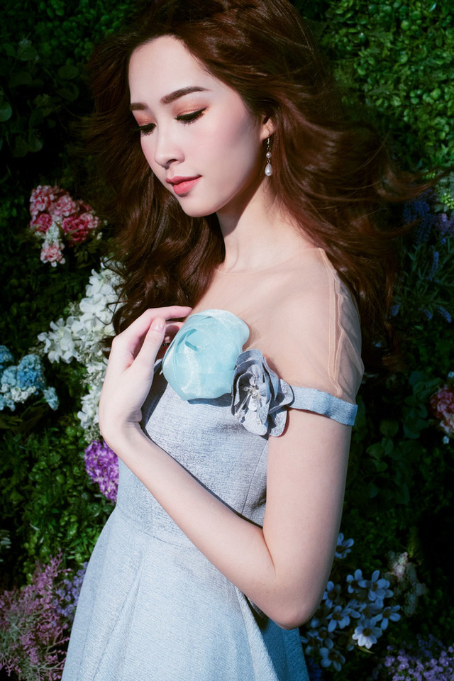 Bị chê tiếng Anh kém, Đặng Thu Thảo vẫn ghi điểm với vẻ đẹp tinh khôi - Ảnh 2.