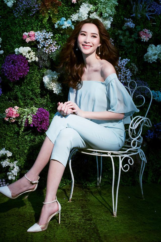 Bị chê tiếng Anh kém, Đặng Thu Thảo vẫn ghi điểm với vẻ đẹp tinh khôi - Ảnh 13.
