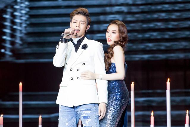 Cặp đôi hoàn hảo: Hòa Minzy hóa công chúa, Đức Phúc gặp cô dâu của riêng mình - Ảnh 2.