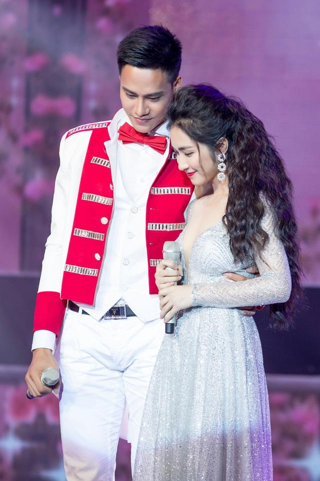 Cặp đôi hoàn hảo: Hòa Minzy hóa công chúa, Đức Phúc gặp cô dâu của riêng mình - Ảnh 1.