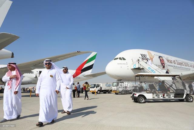 Cuộc chạy đua hợp đồng máy bay giữa Boeing và Airbus - Ảnh 1.