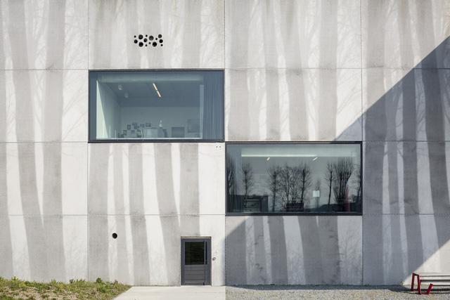 Tòa nhà thò thụt độc nhất vô nhị ở Bỉ - Ảnh 3.