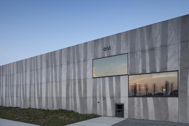 Tòa nhà thò thụt độc nhất vô nhị ở Bỉ - Ảnh 7.