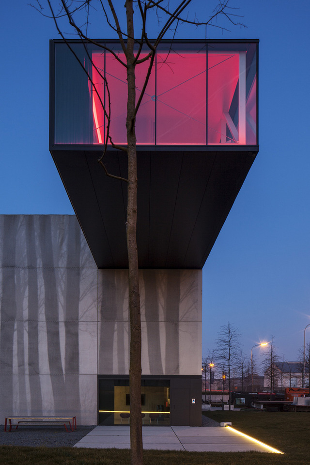 Tòa nhà thò thụt độc nhất vô nhị ở Bỉ - Ảnh 5.