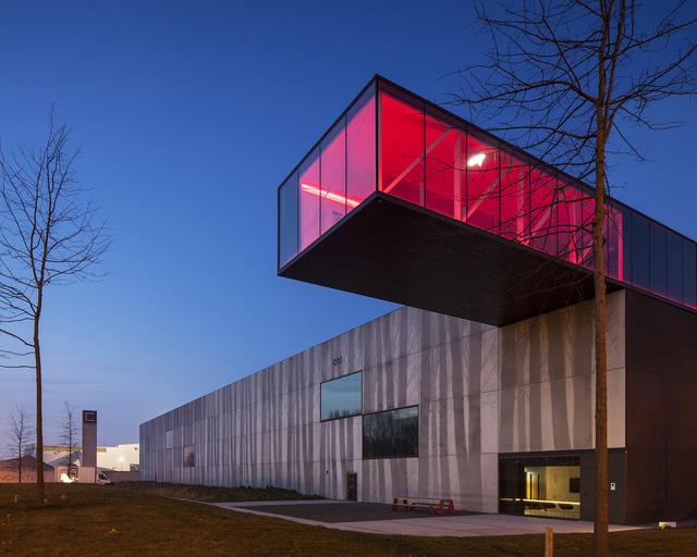 Tòa nhà thò thụt độc nhất vô nhị ở Bỉ - Ảnh 4.