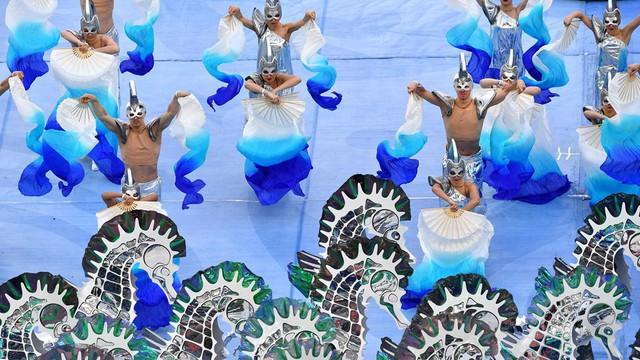 Chùm ảnh: Ấn tượng lễ khai mạc Cúp Liên đoàn các châu lục 2017 - Ảnh 17.
