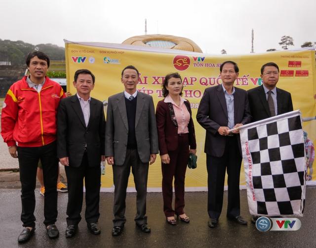 ẢNH: Những khoảnh khắc ấn tượng chặng 13 Giải xe đạp quốc tế VTV Cúp Tôn Hoa Sen 2017 - Ảnh 6.