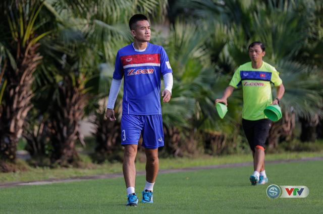 ẢNH: ĐT Việt Nam tiếp tục rèn chiến thuật, sẵn sàng cho trận đấu gặp ĐT Campuchia - Ảnh 3.