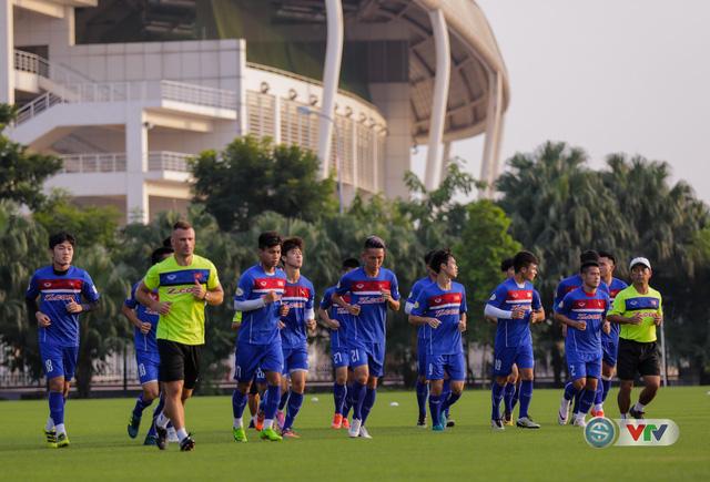 ẢNH: ĐT Việt Nam tiếp tục rèn chiến thuật, sẵn sàng cho trận đấu gặp ĐT Campuchia - Ảnh 2.
