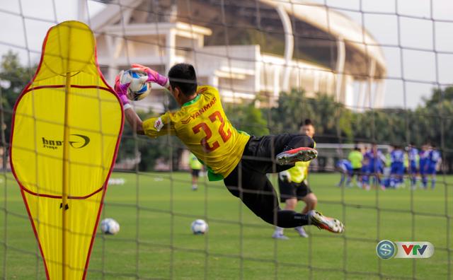 ẢNH: ĐT Việt Nam tiếp tục rèn chiến thuật, sẵn sàng cho trận đấu gặp ĐT Campuchia - Ảnh 6.