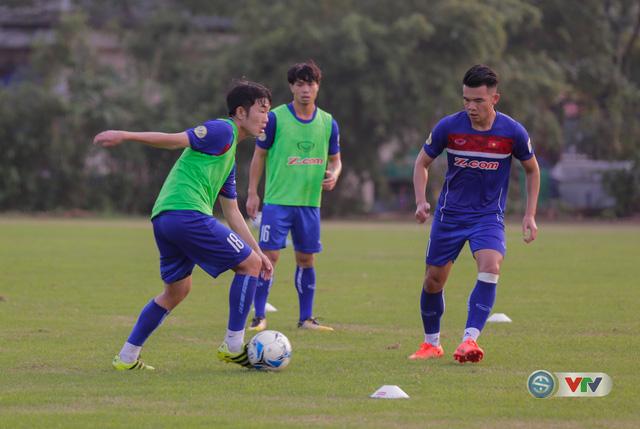 ẢNH: ĐT Việt Nam tiếp tục rèn chiến thuật, sẵn sàng cho trận đấu gặp ĐT Campuchia - Ảnh 8.
