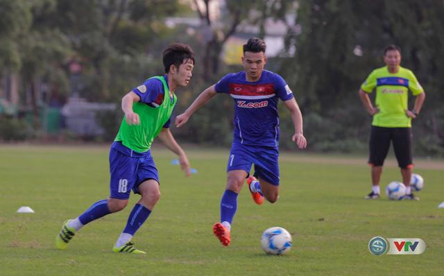 ẢNH: ĐT Việt Nam tiếp tục rèn chiến thuật, sẵn sàng cho trận đấu gặp ĐT Campuchia - Ảnh 10.
