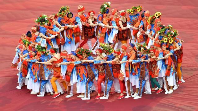 Chùm ảnh: Ấn tượng lễ khai mạc Cúp Liên đoàn các châu lục 2017 - Ảnh 14.