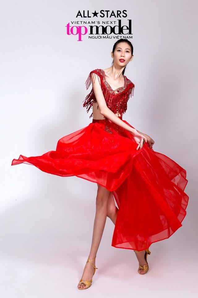 Top 9 Vietnams Next Top Model bay bổng trong bộ ảnh giải phóng hình thể - Ảnh 2.