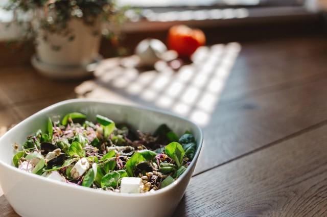Những loại thực phẩm ăn nhiều khiến cơ thể bạn ám mùi - Ảnh 6.