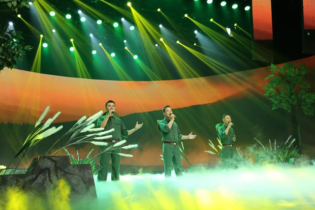 Giai điệu tự hào: NSND Trần Hiếu hát tiếng Lào, ngẫu hứng với vũ điệu Chăm-pa - Ảnh 3.