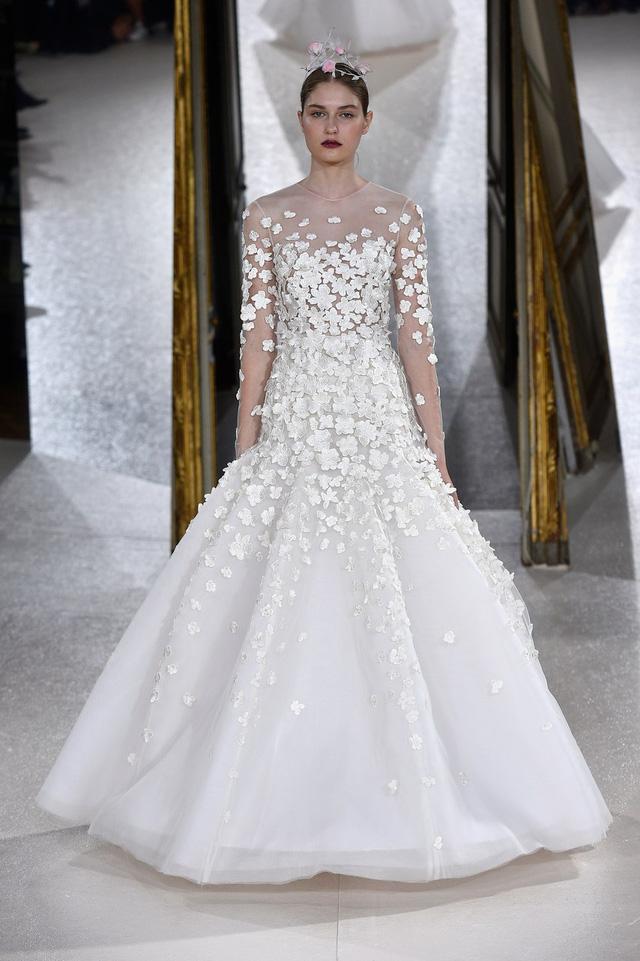 Ngắm những thiết kế váy cưới làm chao đảo Tuần lễ thời trang Paris - Ảnh 10.