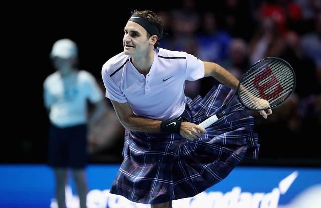 ẢNH: Ngộ nghĩnh Roger Federer mặc váy đối đầu với Andy Murray - Ảnh 7.