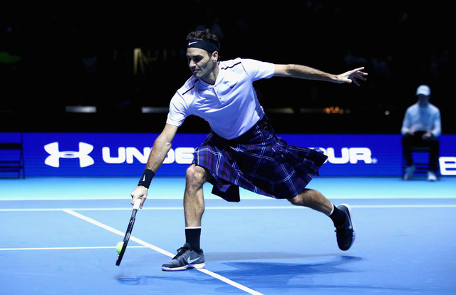 ẢNH: Ngộ nghĩnh Roger Federer mặc váy đối đầu với Andy Murray - Ảnh 8.