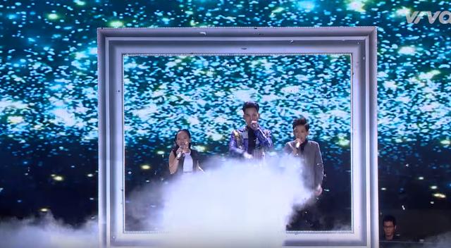 Giọng hát Việt nhí: Được Đông Nhi khen đẹp trai, Soobin thích thú nhảy múa trên ghế nóng - Ảnh 2.