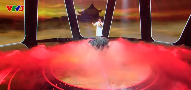 Giọng hát Việt nhí: Học trò ma mị của Vũ Cát Tường gây tranh luận trên ghế nóng - Ảnh 2.