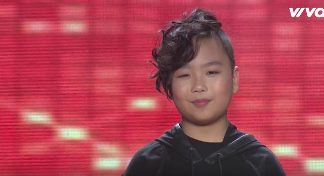 """Giọng hát Việt nhí: Tiên Cookie thích thú với kiểu tóc """"đuôi tôm"""" của học trò Soobin - Ảnh 1."""