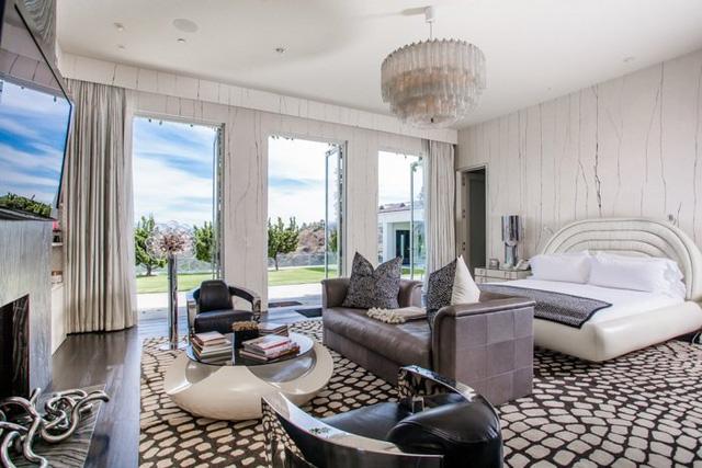 Đột nhập căn nhà đẹp lung linh của Gwen Stefani và chồng cũ - Ảnh 4.