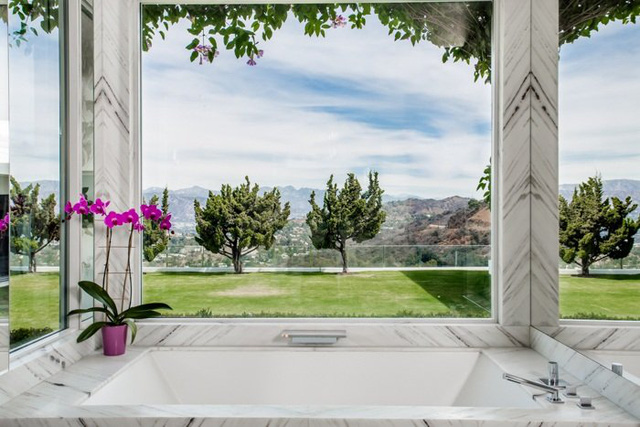 Đột nhập căn nhà đẹp lung linh của Gwen Stefani và chồng cũ - Ảnh 2.