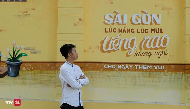 Giới trẻ TP.Hồ Chí Minh biến tường cũ thành điểm check-in mới - Ảnh 8.
