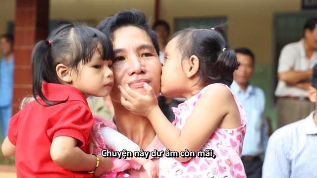 Phim tài liệu gây chú ý Hai đứa trẻ trở lại trên sóng VTV1 - Ảnh 1.