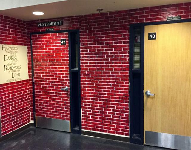 Ngỡ ngàng lớp học được hô biến thành không gian phép thuật trong Harry Potter - Ảnh 3.