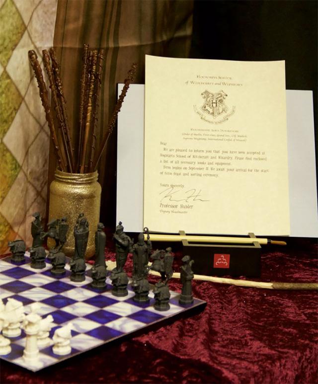 Ngỡ ngàng lớp học được hô biến thành không gian phép thuật trong Harry Potter - Ảnh 9.
