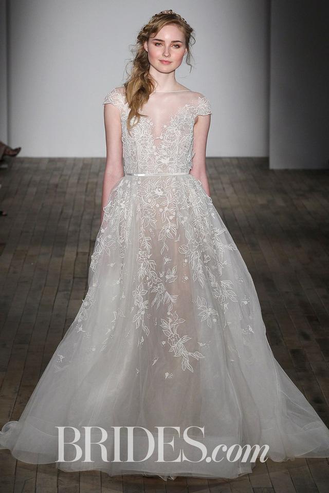 Mê mẩn những mẫu váy cưới vừa đơn giản, vừa sang chảnh - Ảnh 4.