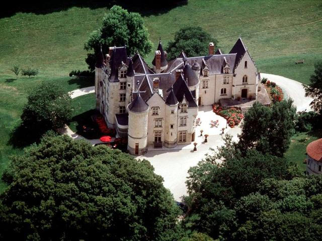 Ghé thăm những lâu đài mang phong cách Game of Thrones - Ảnh 1.