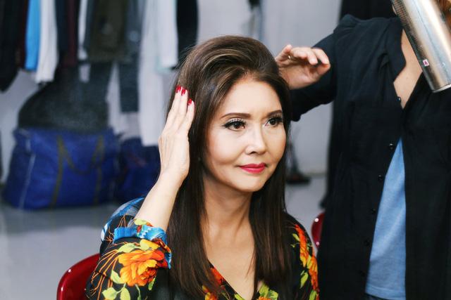 Sol Vàng: Danh ca Họa Mi trẻ trung hát nhạc tình ở tuổi 62 - Ảnh 1.