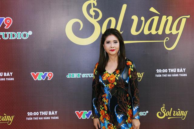 Sol Vàng: Danh ca Họa Mi trẻ trung hát nhạc tình ở tuổi 62 - Ảnh 2.