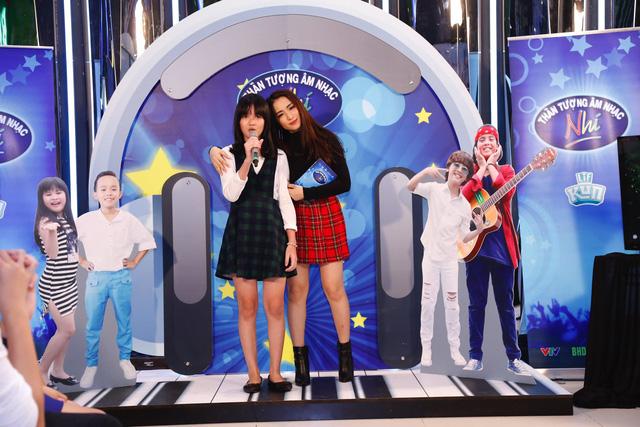 Khởi động Thần tượng âm nhạc nhí mùa 2, Hồ Văn Cường song ca cùng Hòa Minzy - Ảnh 30.