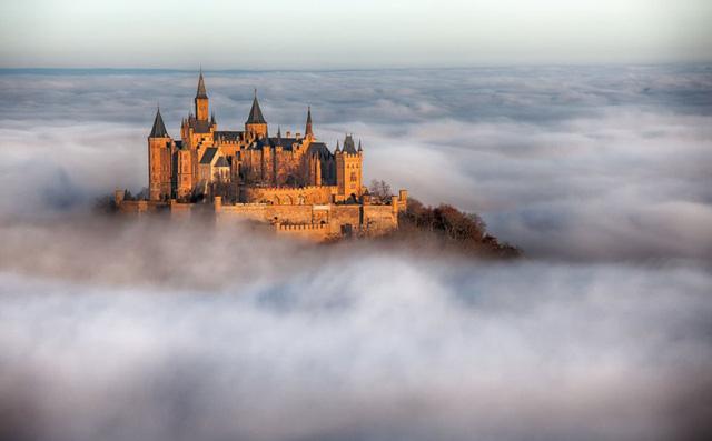 Lâu đài cổ - Một trong những nét đặc trưng của du lịch châu Âu - Ảnh 9.