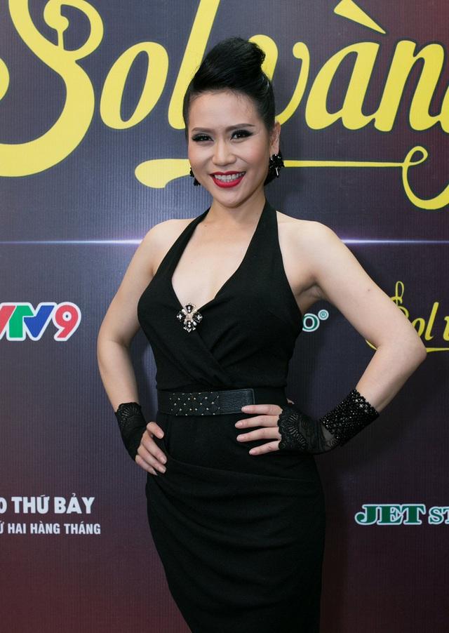 Cựu thành viên Mắt Ngọc khoe vẻ đẹp duyên dáng ở hậu trường Sol Vàng - ảnh 4