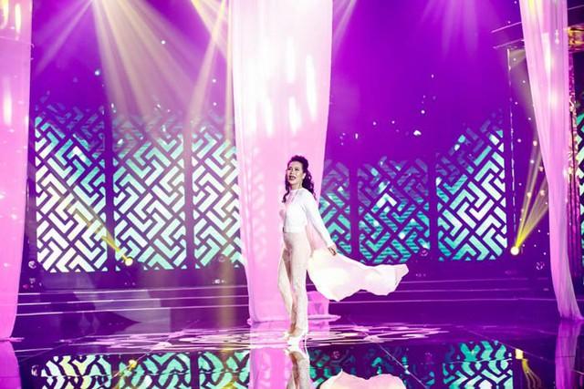 Sài Gòn đêm thứ 7: Công chúa bong bóng Bảo Thy day dứt kể chuyện tình - Ảnh 3.